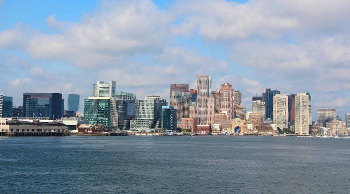 קו המים המרשים של מפרץ בוסטון