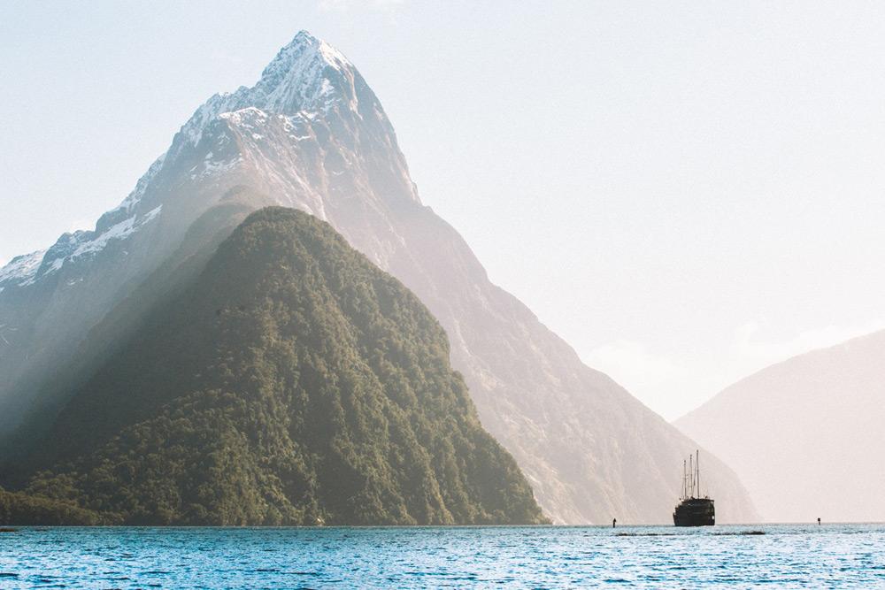 מילפורד סאונד הוא הפיורד המפורסם ביותר בניו זילנד