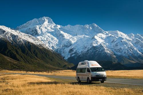 קרוואן למרגלות הר קוק, ההר הגבוה ביותר בניו זילנד