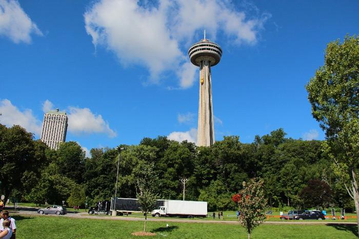 Skylon Tower, מגדל תצפית עם נוף מדהים לכיוון מפלי הניאגרה