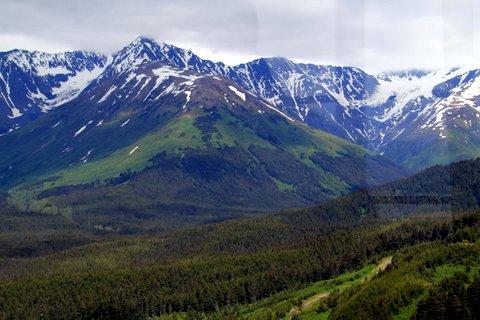 נוף הררי באלסקה