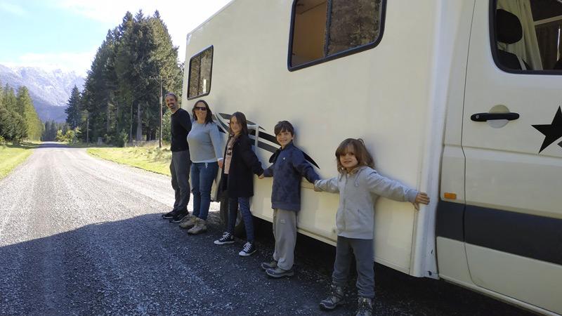 טיול משפחתי ארוך עם קרוואן בניו זילנד ובאוסטרליה