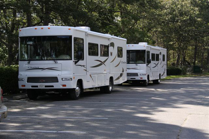 קרוואני אוטובוס חונים בבוסטון